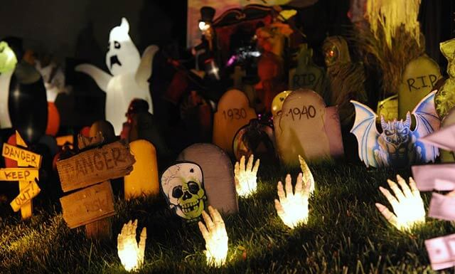 Outdoor Halloween party ideas